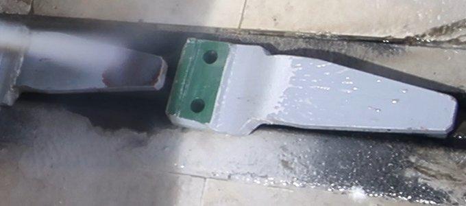 Entlackung von Teilen von Bahn-Drehgestellen